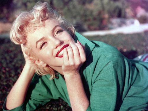 7 Rahasia Kecantikan Sang Bombshell Marilyn Monroe, Nomor 5 Paling Aneh 1
