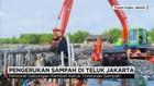 Pengerukan Sampah di Teluk Jakarta