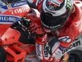 Lorenzo: Buang Waktu Pikirkan Rossi vs Marquez