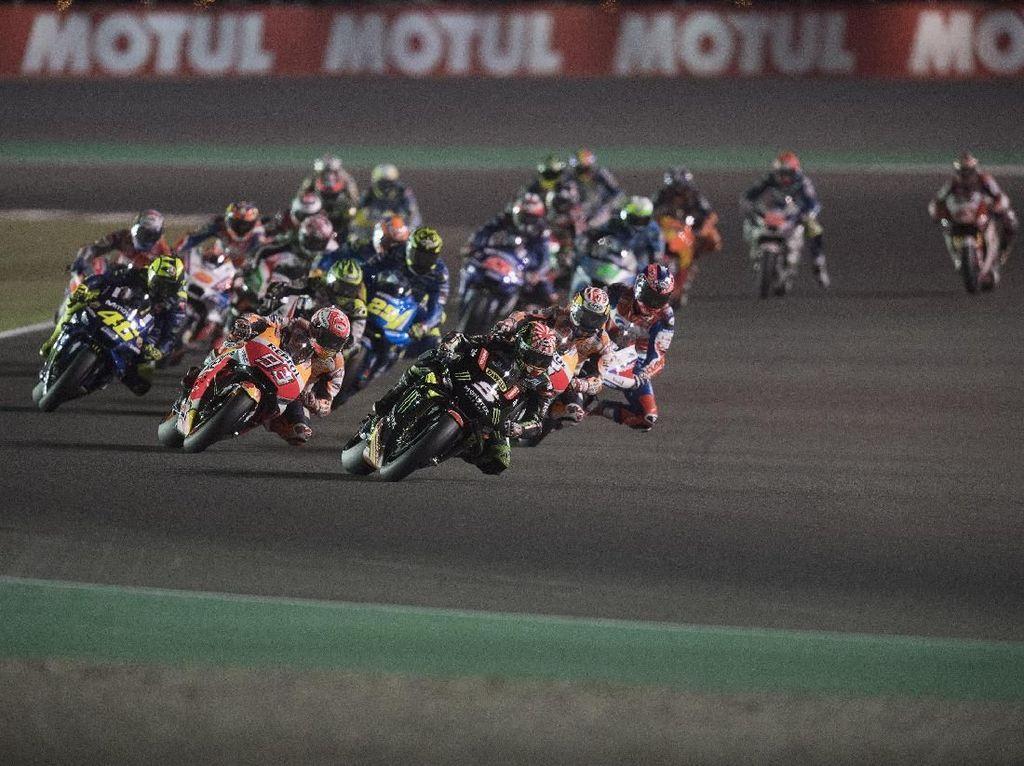 Foto: Dovizioso Menangi MotoGP Qatar yang Ketat