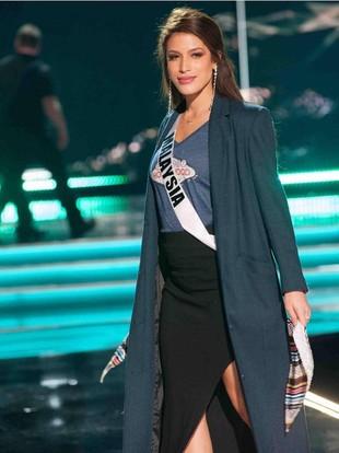 Potret Cantik Samantha Katie, Miss Malaysia yang Disebut Mirip Millendaru