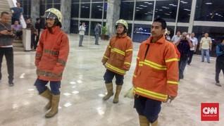 Gedung DPR Kebakaran, Orang-orang Berhamburan