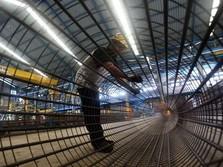 Faisal Basri: Rupiah Lemah Karena Industri Lemah