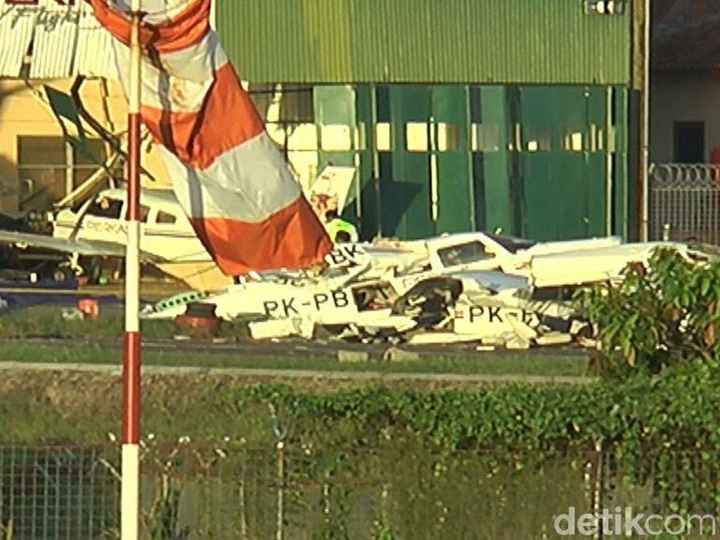 Sebuah pesawat latih mengalami kecelakaan di Bandara Tunggul Wulung, Cilacap. Pilot pesawat tersebut dilaporkan tewas(Foto: Istimewa)