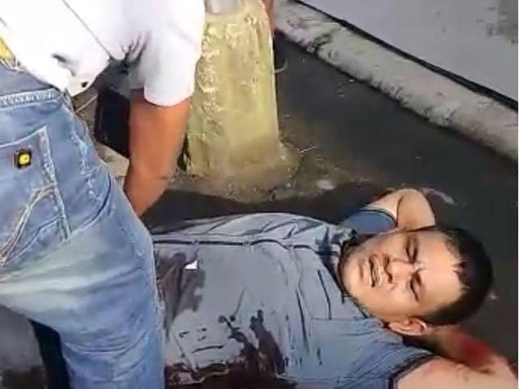 BNN dan BNNP Sumatera Utara menyita sedikitnya 30 kg sabu dalam penangkapan sindikat pengedar narkoba di dua lokasi di Medan, Sumut, pagi ini. Empat tersangka ditangkap, seorang di antaranya dilumpuhkan dengan timah panas, yaitu Ambri. (Foto: ist.)