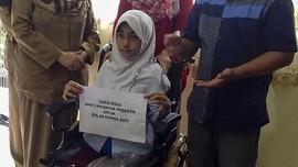 Tulis Surat untuk Jokowi, Bocah Difabel Riau Dapat Kursi Roda
