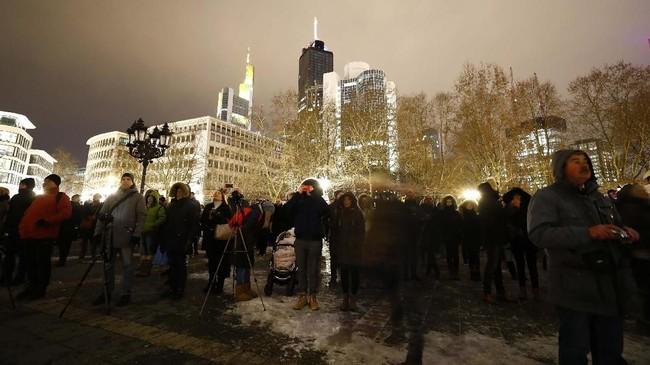 Acara Luminale diadakan bersamaan dengan Light+Building, pameran dagang internasional khusus pencahayaan dan penerangan.(REUTERS/Kai Pfaffenbach)
