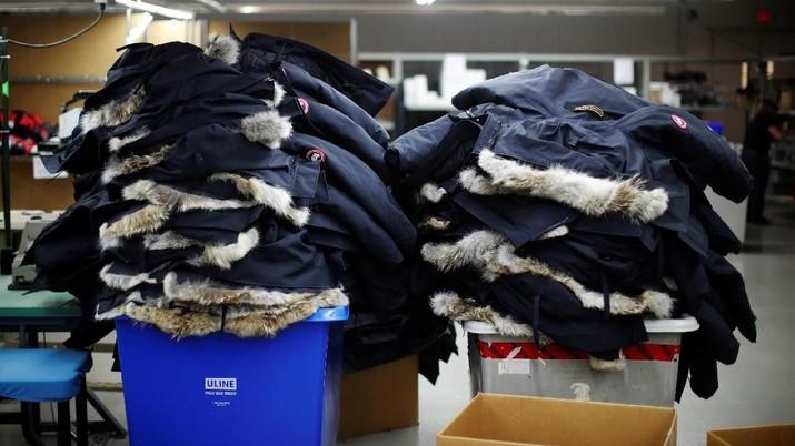 Importir nakal diduga menjadi penyebab membanjirnya tekstil di dalam negeri.