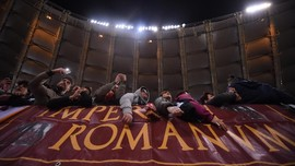 Fans Roma Desak Barcelona Turunkan Harga Tiket Perempat Final