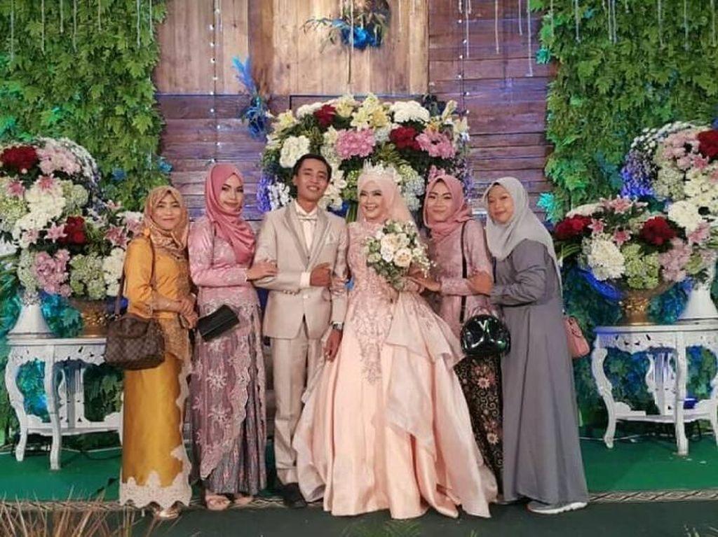 Potret Bahagia Anies dan Jokowi yang Undangan Pernikahannya Viral