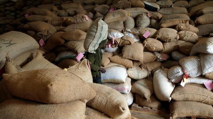 Ekspor dan produkdi kopi Indonesia kalah jauh dari Vietnam.