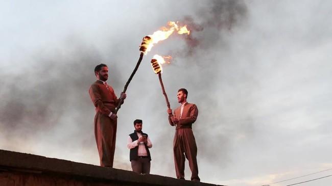 Sejarah Noruz yang ribuan tahun tak bisa dilepaskan dari kaum Majusi yang menganut Zoroastrianisme. (Anadolu Agency/Yunus Keleş)