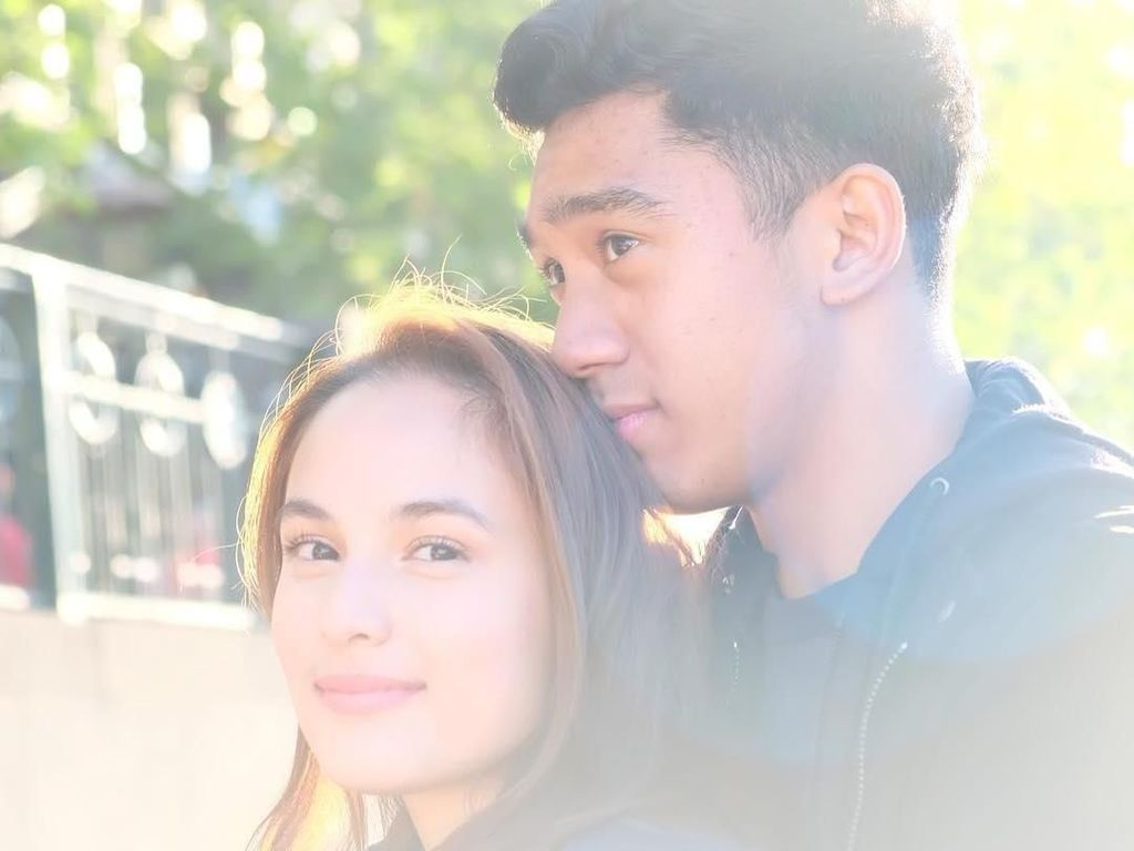 8 Inspirasi Quotes Cinta Chelsea Islan dan Daffa Wardhana, Super Romantis