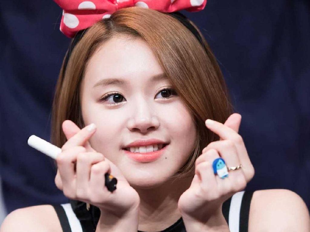 Gaya Finger Heart dari Korea Ini Ngetren di Mana-mana, Siapa Pelopornya?