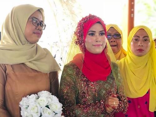 Pengantin Wanita Ini Resepsi Pernikahan Sendirian, Alasannya Bikin Dongkol