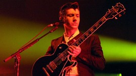 Album Debut Arctic Monkeys Bakal Dibuat Versi Vinil Berwarna