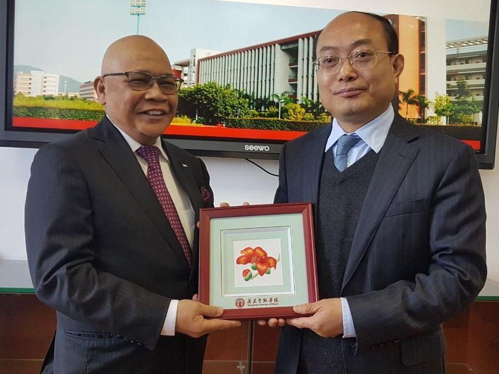 Komut Garuda Indonesia Raih Profesor Emiritus Keuangan dari China
