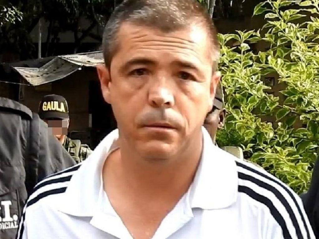 Pelatih: Elkin Moncada. Pelatih pertama pesepakbola James Rodriguez ini tersandung kasus pedofilia yang membuatnya harus menghuni jeruji besi. (Foto: Pulzo.com)