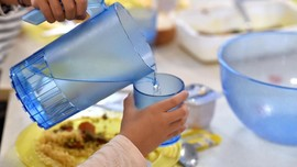 Alasan Perlu Hindari Minum Air Sebelum Tidur
