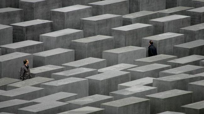 Sisa-sisa Jasad Korban Nazi Dimakamkan di Berlin