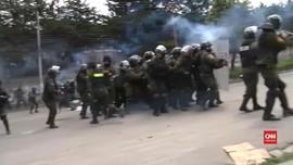 VIDEO: Bentrokan Polisi dan Petani Koka Bolivia