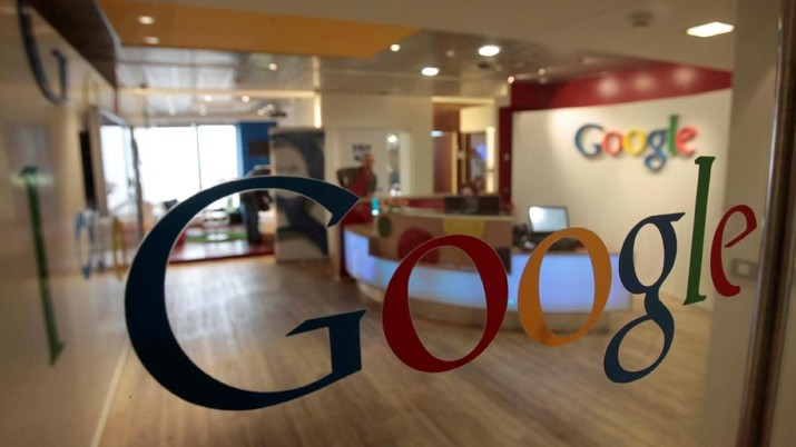 FILE PHOTO: The Google logo is seen on a door at the company's office in Tel Aviv, Israel, January 26, 2011. REUTERS/Baz Ratner/File Photo