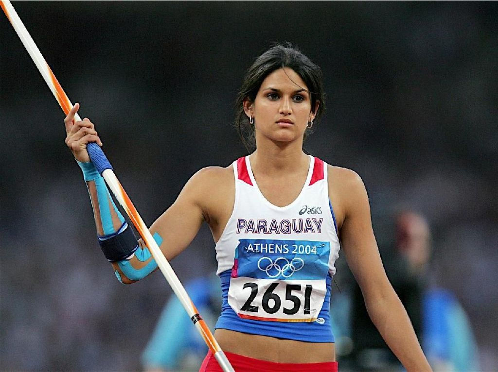 Foto: Cantiknya Leryn Franco, Mantan Atlet Lempar Lembing Bertubuh Seksi