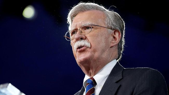 Korut Sebut Penasihat Donald Trump 'Maniak Perang'