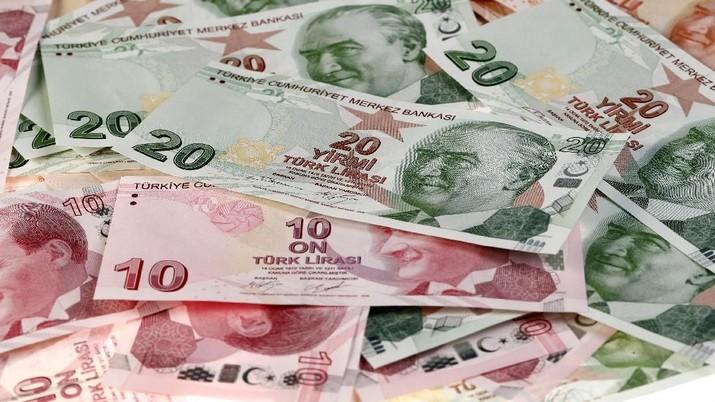 Pelemahan Lira Turki Menjalar ke Eropa, Euro Ikut Anjlok