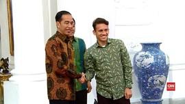 VIDEO: Egy Maulana Vikri Disambut Jokowi di Istana