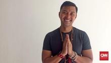 Anjasmara Jadi Guru Yoga Hingga Dubai dan India