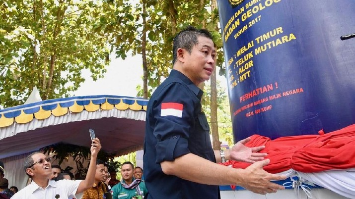 Pemerintah Resmikan 21 Pembangkit Listrik dan 12 Sumur Bor
