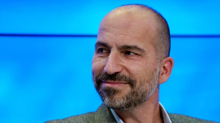 FILE PHOTO - Dara Khosrowshahi, Chief Executive Officer of Uber Technologies, attends the World Economic Forum (WEF) annual meeting in Davos, Switzerland, January 23, 2018. REUTERS/Denis Balibouse/File Picture