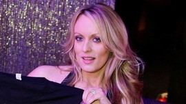 Pengacara Trump Tuntut Ganti Rugi Kepada Bintang Porno AS