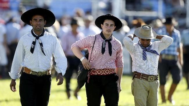 Guacho ini mirip dengan koboi di cerita rakyat Amerika Serikat. Guacho disebut sudah ada sejak Abad ke-18 Masehi. (REUTERS/Andres Stapff)