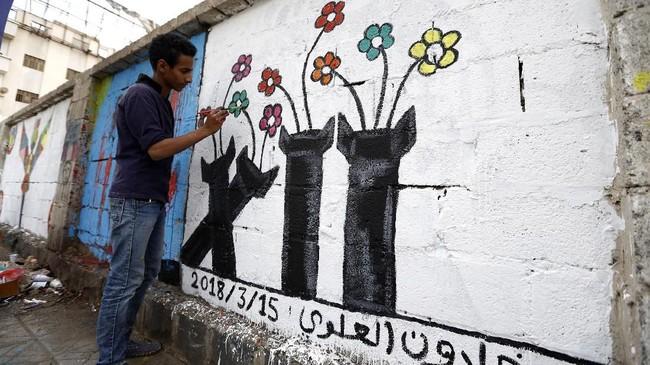 Salah satu konflik yang masih terjadi adalah perseteruan pemerintah dengan kelompok pemberontak Houthi. Hal ini semakin menambah deretan konflik negara tersebut. (AFP PHOTO / Mohammed HUWAIS)