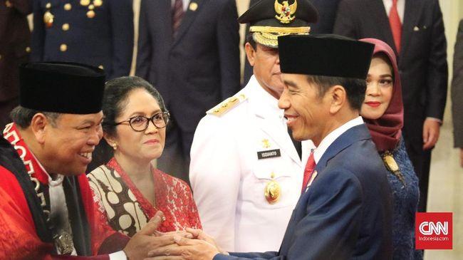 Jokowi Enggan Ditarik dalam Polemik Etik Arief Hidayat di MK