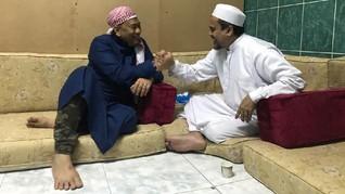 Terima SP3, Pengacara Tunggu Rizieq di Masjid Biru Turki