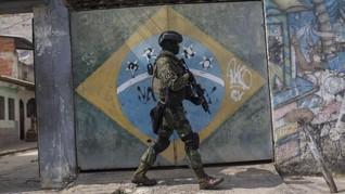 FOTO:  Kala Militer Brasil Kuasai Keamanan Rio de Janeiro