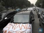 Setelah Ojek Online, Hari Ini Taksi Online Berdemo