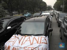 Kredit Macet Terbesar Ada di Pembelian Mobil Taksi Online