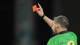 FA Hukum Wasit Inggris Gara-gara Lupa Bawa Koin Undian