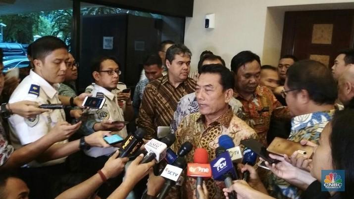 Moeldoko menyatakan ada mendompleng aksi 22 Mei padahal dari sisi peristiwa politik sudah selesai karena capres 02 sudah ajukan gugatan ke Mahkamah Konstitusi.d