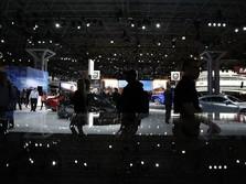 Deretan Mobil Mewah Dipamerkan di New York Auto Show