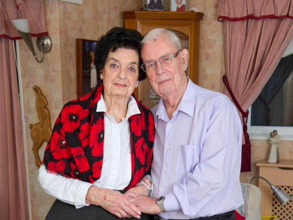 Jodoh Tak ke Mana! Sempat Putus, Pasangan Ini Akhirnya Nikah di Usia 89