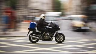 Kesal Dipajaki, Pengendara Motor Protes Wali Kota London