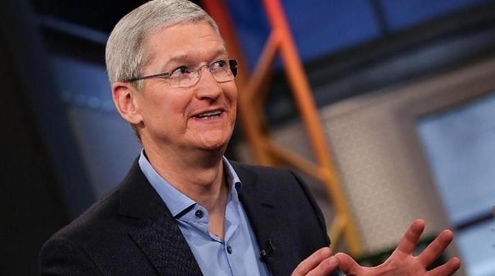 Apple jadi emiten teknologi pertama yang memiliki valuasi US$1 triliun.