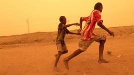 FOTO: Menembus Badai Pasir di Sudan