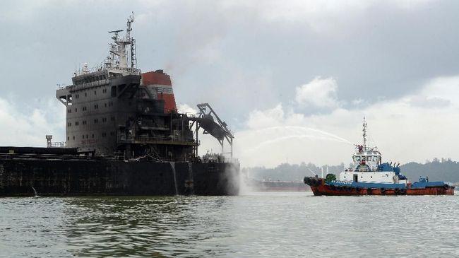 Kapal Tanker Meledak di Siprus, Polisi Selamatkan 5 Awak