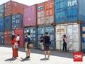 Perang Dagang, AS akan Kenakan Tarif pada 1.300 Produk China